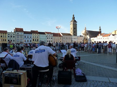 Music evenings on the square