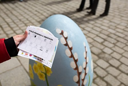 Easter Trail for Giant Eggs